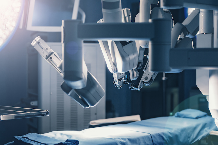 Surgical,Room,In,Hospital,With,Robotic,Technology,Equipment,,Machine,Arm